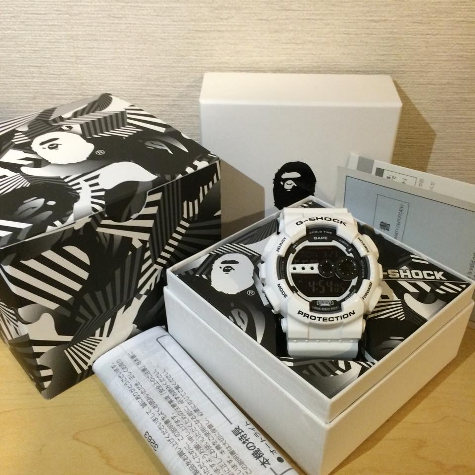 "[Live Photos] G-shock GD-100 BAPE ""World Gone Mad"""