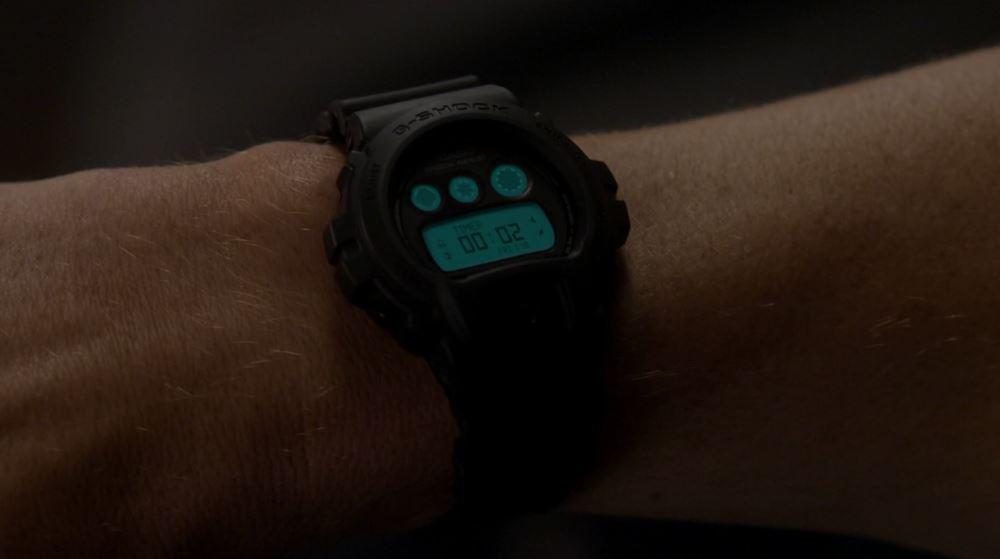 [Casio on TV] Joel McHale is wearing G-Shock DW-6900