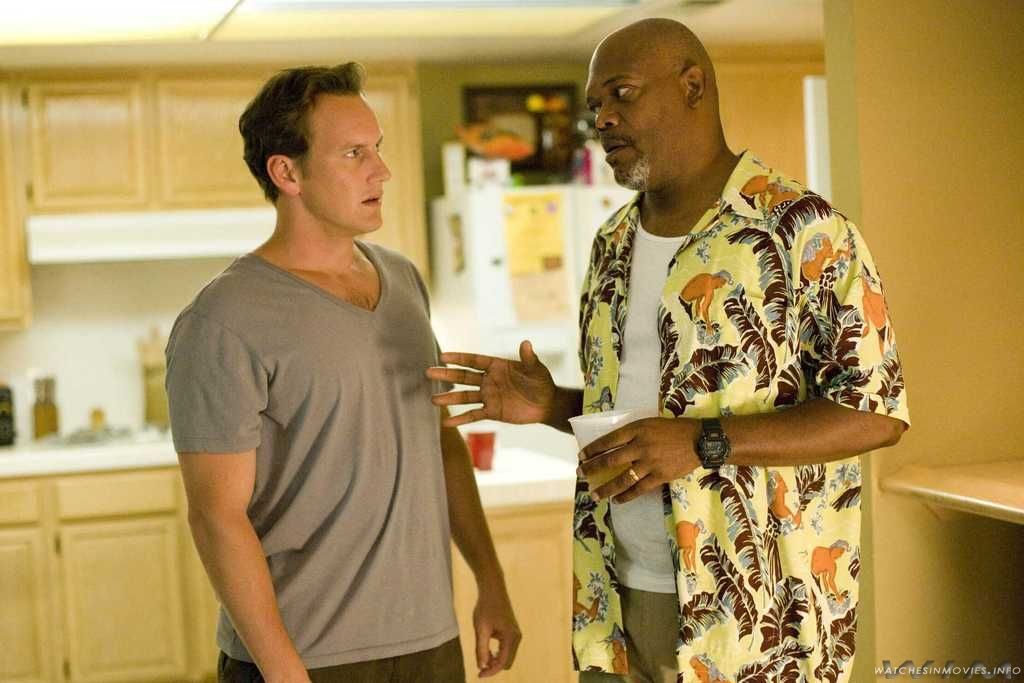 Samuel l jackson is wearing casio dw 9052 in lakeview terrace for Lakeview terrace 2008