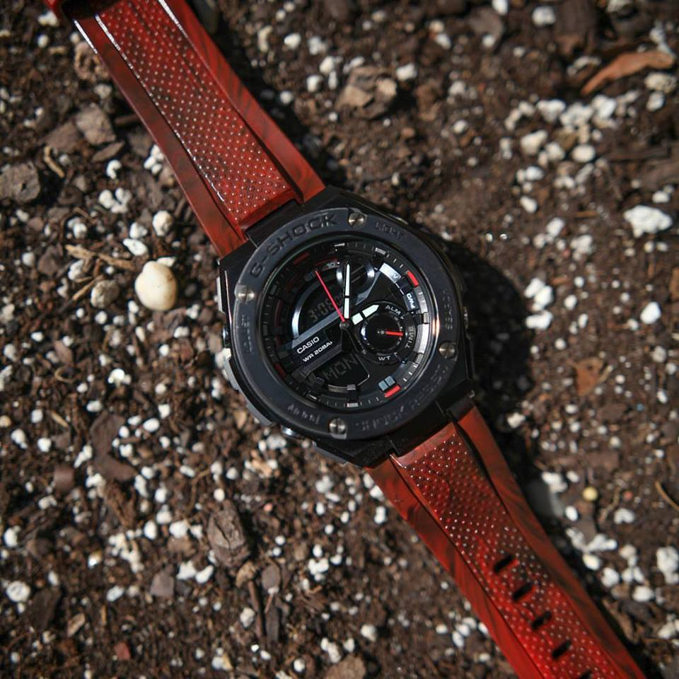 G Shock Gst 210m With Red Black Amp White Bands