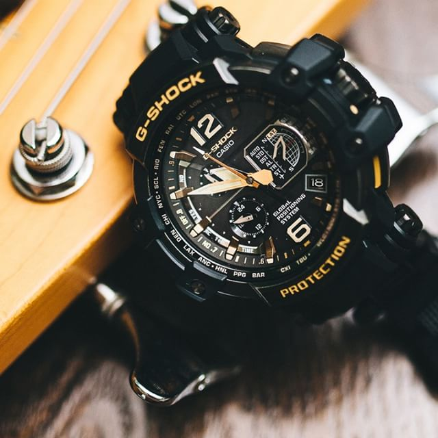 [Live Photos] G-Shock GPW-1000VFC-1A with yellow gold accents