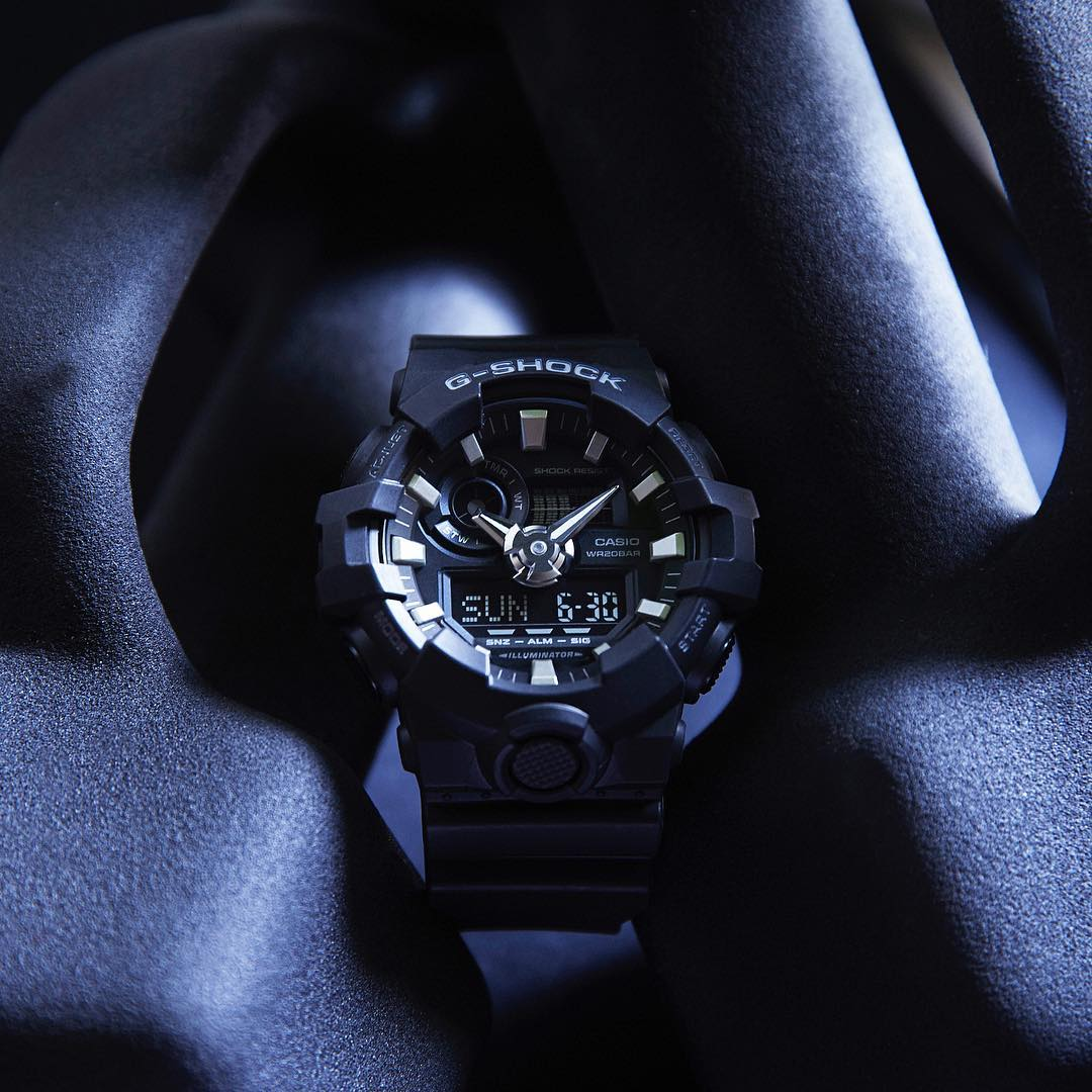 [Live Photos] G-Shock GA-700-1B — with leading-edge styling