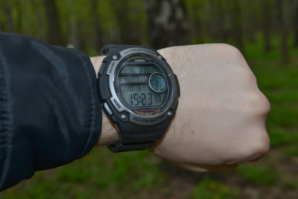 [Live Photos] Casio AE-3000W-1A with large display