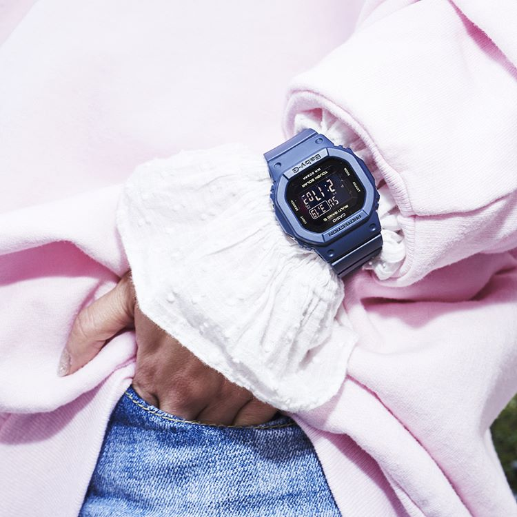 [Live Photos] Add an accent with Baby-G BGD-5000-2 on your daily outfit