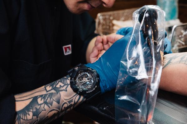 [Live Photos] G-Shock GA-710-1A and tattoo Lookbook
