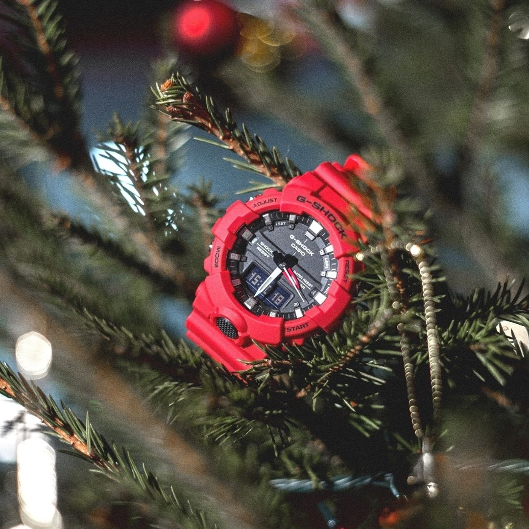 [Live Photos] G-Shock GA-800-4A with Red and Round Face
